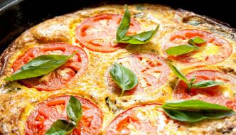 frittata-tomate-albahaca