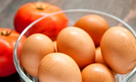 huevos-y-tomates