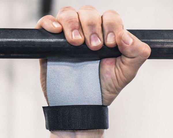 Agarre de dominada para mejorar la fuerza